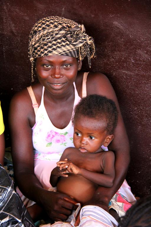 Nancy Lenda - UNTA Bimbo - Bangui - RCA - Sept 2013 - LGR (11) (Large)